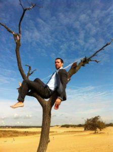 Gabriele Manca (quello sopra l'albero)